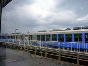 リゾート白神「青池」ハイブリッド車両