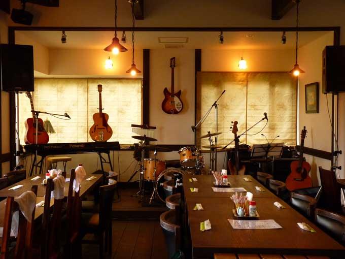 しらかみカフェ・復興応援ライブセッティング