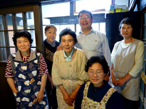 山田オーナーと根子の女性たち