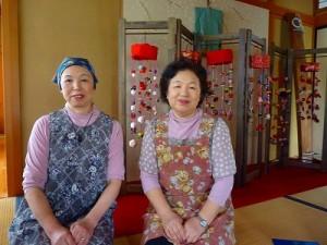 代表の小柳さん(右)と姉の齊藤さん(左)
