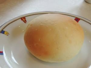 手作りパン(別メニュー、ランチに含まれません)
